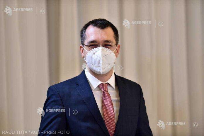 Ministrul Sănătăţii spune că şi în România se administrează 6 doze de vaccin anti-COVID-19 dintr-un flacon